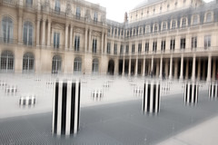 Paris - Palais Royal - Colonnes de Buren_4603 (ixus960) Tags: paris france town capitale ville