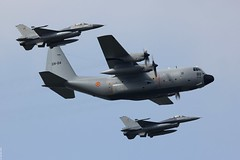 Belgian Air Force Lockheed C-130H Hercules CH-04 F-16AMs, Belgian Air Force Days 2014, Kleine-Brogel (Jeroen.B) Tags: show flickr force belgium belgie air days formation f16 belgian lockheed hercules c130 kleine 2014 brogel belgische ch04 c130h fa77 luchtmachtdagen f16am kleinebrogel ebbl fa69 3824467 kleinebrogel2014