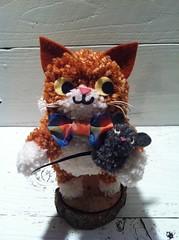 Simon the Cat, Pom Pom Sculpture