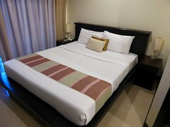 Phuket (Lub Sbuy Guest House), Thailand (Jan-2016) 20-001 (MistyTree Adventures) Tags: seasia thailand phuket indoor accommodation guesthouse lubsbuyguesthouse room bed panasoniclumix