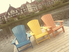 Have a seat and relax ! (France-) Tags: summer ontario canada trois three chair angle cottagecountry bluemountains t chaise millpond
