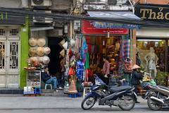 Street of Hanoi, Vietnam (takasphoto.com) Tags: 2870 asean asia earth hanoi hànội hònuisṳ indochina lens motoneta motorscooter motorcycle motorroller môtô nikkor nikkor2870mmf28d nikkor2870mmf28dedifafszoomlens nikon professionallens scooter skoter skuter skútr southeastasia stepthroughframe transport transportation transporte trasporto travel travelphotography trip verkehr vespa viagem viaje vietnam vietnamas viêtnam việtnam vậntải world xeôm xelai xethồ мотороллер транспорт մոտոռոլլեր האנוי וייטנאם קטנוע תחבורה اسکوتر ترابری فيتنام نقل هانوي هانوی ویتنام ٹرانسپورٹ एशिया परिवहन स्कूटर ハノイ ベトナム 东南亚 スクーター ニッコール インドシナ オートバイ アジア สกู๊ตเตอร์ ཝི་ཏི་ནམ།