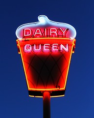 Dairy Queen Neon (Laurence's Pictures) Tags: dairy queen ice cream neon fast food americana
