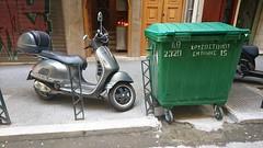 Thessaloniki, Greece (skumroffe) Tags: scooter vespa trashbin bin thessaloniki greece grekland ellada hellas greekmacedonia macedonia mellerstamakedonien makedonien