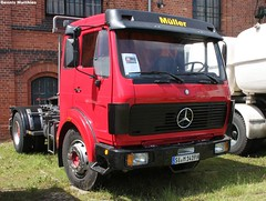 Mercedes semi truck (Schwanzus_Longus) Tags: green museum truck germany mercedes benz day duty tram sunny hannover semi lorry fabric cover german rig vehicle heavy load freight 1419 actros axor