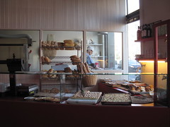 mestieri (pratolinainlotta) Tags: baker milano bakery panetteria panettiere