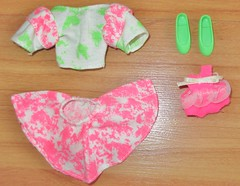 1990 Babysitter Courtney & Baby Outfits (A Thousand Splendid Dolls) Tags: barbie skipper skipperdoll barbiedoll courtneydoll barbiesister skipperfriend babysitterskipper 1990barbie 1990sskipperdoll babysittercourtney skippercourtney 1990babysitterskipper babysitttercourtneyoutfit 1990skipper 90sskipperdoll barbieskippercourtney 1990babysittercourtneydoll