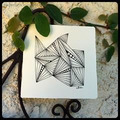 Zentangle® : Munchin (ha! designs) Tags: blackandwhite abstract art illustration pen pencil tile pattern drawing doodle tangle graphite 2015 munchin zentangle hadesigns hadesignszentangle