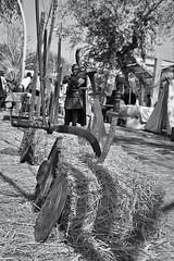 Espadas Romanas en la ciudad... (protsalke) Tags: city urban blackandwhite byn army fight nikon roman swords