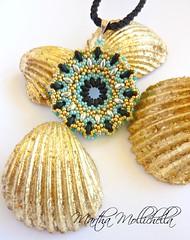 ciondolo pendente double face fatto a mano con perline (La Casina di Tobia) Tags: face by beads martha handmade jewelry double mano con fatto pendente perline ciondolo mollichella