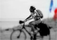 DJ 047 (cadayf) Tags: seaside bretagne britanny nb bw people biker cycliste drapeau flag france