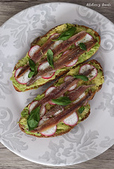 Avocado toast (Akane86) Tags: bread avocado healthy radishes toast anchovies basil pan sourdough aguacate palta albahaca anchoas tosta saludable