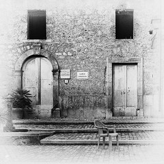Largo Annunziata (Eugenio_81) Tags: window architecture blackandwhite biancoenero finestra antico monocromo pietra seppia lazio collesanmagno pietraantica ancient sedia largoannunziata annunziata chair arco arc porta door arch piazza largo square
