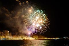 Fireworks 8 (Fotomondeo) Tags: fireworks fuegosartificiales alicante alacant hoguerasdesanjuan fogueres fujifilmxm1