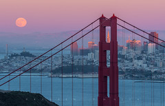 Last Light (Praveen Thalla) Tags: sanfrancisco california goldengatebridge cityscape moon fullmoon moonrise twilight alpenglow