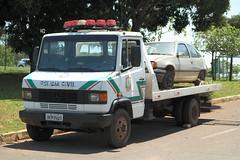 Mercedes-Benz 710 - PCDF (Autos - Brasil) Tags: pcdf pc polizei police polizia politi policia polis policecar publicsafety policiajudiciaria civilpolice policiacivil policedepartment policedept emergencyvehicle guincho policevehicle caminhao truck segurancapublica mb mbenz mercedesbenz mb710 mercedesbenz710 197