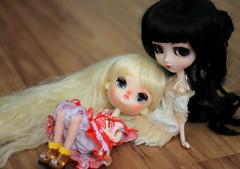 Flynn and Tomoe  (n a m i [  ]) Tags: kawaii cute dolls doll junplanning pullip dal love dalfullcustom dalcustom pullipbrh pullipbloodyredhood dollmore hellokitty groove obitsu21cm obitsu madeleinedolls