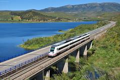 Media distancia. Puente Arroyo de la Cabrera (rapidoelectro) Tags: madrid río tajo cáceres caf regional embalse renfe alcántara llerena 598 cañaveral mediadistancia