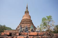 Icones (Ye-Zu) Tags: stupa thalande bouddha ruine sukhothai thailande pagode worldtour tambonmueangkao changwatsukhothai