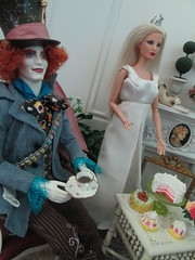 9th Annual Mad Hatter's tea party (Pumpkin Hill Studios/King William Miniatures) Tags: 16scale 9thannualmadhattersteaparty fancifultwist theonesixthscaledollhouse lisaneault bespaq aliceinwonderland madhatter dioramas playscale dollhouseminiatures