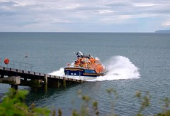 Moelfre Lifeboat (dilys_thompson) Tags: sea rescue boat ramp lifeboat splash rnli anglesey moelfre