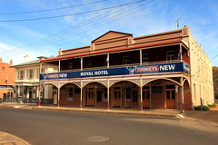Royal Hotel, Canowindra (Darren Schiller) Tags: canowindra hotel pub architecture building verandah balcony alcohol community smalltown heritage historic newsouthwales