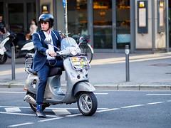 (graveur8x) Tags: man vespa roller mann helmet waiting speed scooter candid street streetphotography dof city evening crossing frankfurt germany deutschland suit olympus olympusem10markii olympusm75mmf18