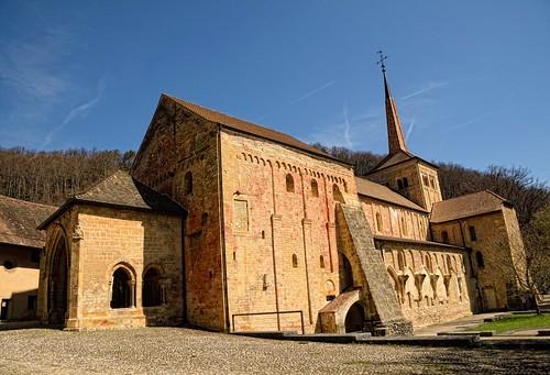 Die Abteikirche von Romainmôtier