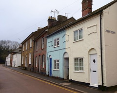 Houses in Akeman Street, Tring (Snapshooter46) Tags: houses tring akemanstreet