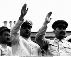 NA012329 (ngao5) Tags: people male men history three european adult general military group gesturing communist few soviet prominentpersons government leader georgian russian waving groupofpeople sovietunion marxist threepeople militarypersonnel smallgroupofpeople militaryofficer anastasimikoyan governmentofficial politicalleader caucasianethnicity josephstalin sovietarmedforces militaryleader easternasian easterneuropeandescent easterneuropeanculture klimentyefremovichvoroshilov centralasianculture