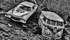 expedicion (ojoadicto) Tags: autos juguete antiguo vintage blackandwhite blancoynegro tierra barro dirt airelibre