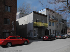 Small houses on St-Ferdinand (Vanishing Montral) Tags: history villedemontreal montreal histoire photography art architecture demolition disappearinghistory newconstruction