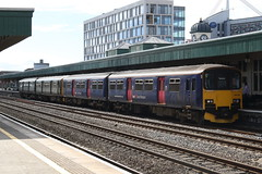 150124+150232 Cardiff Central, Wales (Paul Emma) Tags: uk wales cardiff cardiffcentral railway railroad dieseltrain train 150124 150232