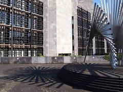 """Mainzer Rathaus mit """"Lebenskraft"""" (Reimfee) Tags: mainz rathaus lebenskraft skulptur rheinland pfalz germany architektur"""