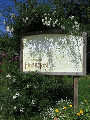"Hobbiton <a style=""margin-left:10px; font-size:0.8em;"" href=""http://www.flickr.com/photos/83080376@N03/16951569582/"" target=""_blank"">@flickr</a>"