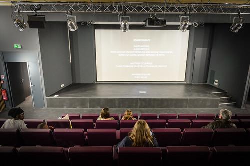 Découvrez l'auditorium de 78 places qui équipe la médiathèque © W. Vainqueur