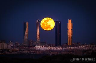 Luna llena 4 Abril 2015 Cuatro Torres Madrid