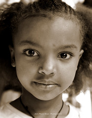 Enfant a Lalibela (jmboyer) Tags: eth2287 lonely gettyimages nationalgeographie tourism lonelyplanet canoneos ©jmboyer canon photo travel voyage géo 6d yahoo flickr afrique africa ethiopie etiopia fêtedetimkat eos afriquedelest eastafrica imagesgoogle googleimage impressedbeauty nationalgeographic viajes photogéo photoflickr photosgoogleearth photosflickr photosyahoo canonfrance picture photography ethiopia etiopija portrait face googlephotos googleimages retrato canon6d photos photoyahoo ኢትዮጵያ አፍሪቃ äthiopien