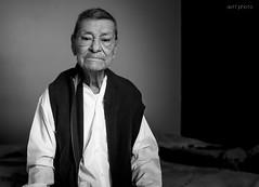 """Retrato """"pap Chuy"""" (daff photo) Tags: white man black look grandfather grandpa mirada abuelito abue"""
