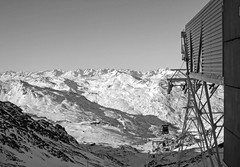 The French Alps (P. Burtu) Tags: france frankrike mountain berg blackwhite svartvitt vinter winter shadow skugga skiing skidkning skiresort alperna val thorens