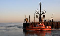 9-IMG_3703 (hemingwayfoto) Tags: bremerhaven deutschland frh hafen lichtstimmung morgens motorschiff nationalpark norddeutschland nordsee schiff schifffahrt sonnenaufgang verkehr wattenmeer