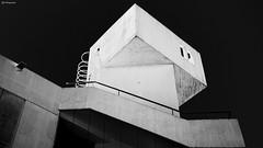 Barcellona 2842 (kingeston) Tags: barcelona bw white black building architecture spain nikon noir geometry edificio bn espana bianco blanc nero architettura barcellona spagna geometrie d7000 kingeston