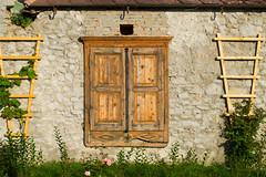 una casetta (harahel_13) Tags: schonbuhel wachau austria finestra finestre architettura architecture nikon