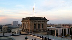 On the Reichstag terrasse (Sokleine) Tags: reichstag bundestag terrasse roofs parlement parliament toits panorama government gouvernement history berlin deutschland germany allemagne tourists tower tour germanflag drapeau flag