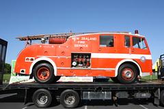 SG 3818 (ambodavenz) Tags: whangareifirebrigade newzealand southauckland restored fireengine fireappliance f12 dennis