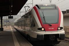 SBB Triebwagen Flirt Alsace RABe 522 205 - 9 ( Triebzug - Regionalzug - Nahverkehrszug => Hersteller Stadler Rail ) am Bahnhof Rheinfelden im Kanton Aargau der Schweiz (chrchr_75) Tags: chriguhurnibluemailch christoph hurni schweiz suisse switzerland svizzera suissa swiss chrchr chrchr75 chrigu chriguhurni april 2015 albumzzz201504april albumbahnenderschweiz albumbahnenderschweiz201516 schweizer bahnen eisenbahn bahn train treno zug albumsbbflirt flirt sbb cff ffs stadler rail albumbahnsbbrabeflirt triebzug nahverkehrszug öv öffentlicher verkehr juna zoug trainen tog tren поезд lokomotive паровоз locomotora lok lokomotiv locomotief locomotiva locomotive railway rautatie chemin de fer ferrovia 鉄道 spoorweg железнодорожный centralstation ferroviaria