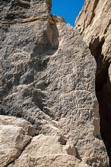 Rock inscriptions in the Wadi Hilâl at El Kab (kairoinfo4u) Tags: egypt egipto ägypten egitto petroglyphs égypte elkab thewadihilâlatelkab wadihilâl