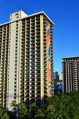 Hilton Rainbow Tower, Honolulu (Ian E. Abbott) Tags: beach hotel waikiki hilton honolulu hiltonhawaiianvillage rainbowtower hiltonhotels beachresorts honoluluhotel hiltonhawaiianvillagebeachresort waikikihotel hotelwaikiki waikikiresorts