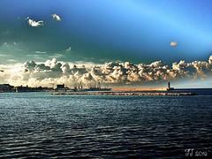 Nubi cumuliformi (triziofrancesco) Tags: sky nuvole mare lungomare tempo bari meteo nubi cumuliformi