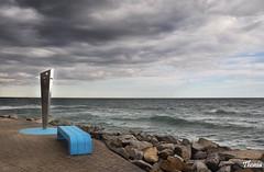 Premi de Mar (Gatodidi) Tags: premi mar agua costa mediterraneo olas orilla espuma roca piedra barcelona nubes cielo azul catalua catalunya landscape paisaje paisatge spain espaa nikon d90 bancos atardecer crepusculo rojo seda